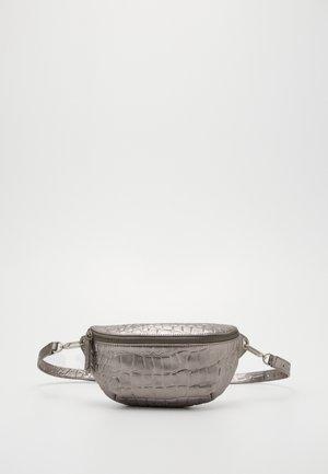 TAVIA - Heuptas - silver