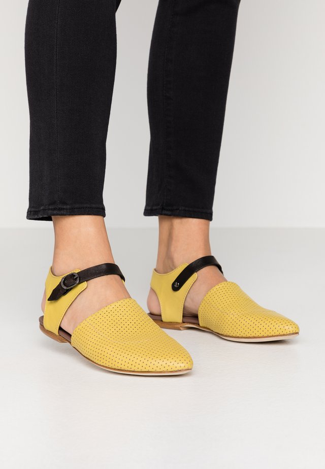 ZAIA - Slip-ons - twister lemon