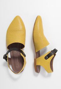 lilimill - ZAIA - Slippers - twister lemon - 3
