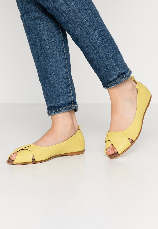 ATENA - Ballerinaskor med peeptoe - after lemon