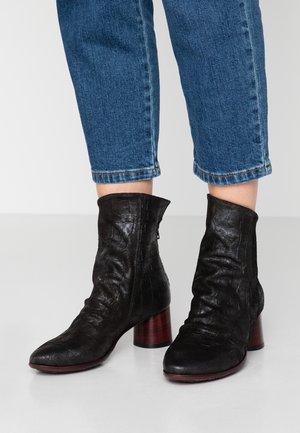LUNA - Classic ankle boots - koko nero