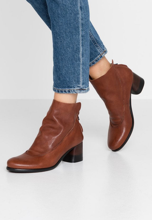 MALABRY - Ankle boots - matix siena