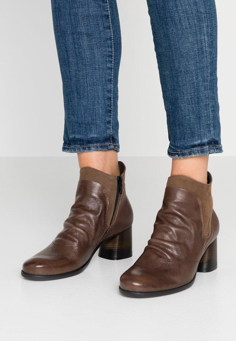 lilimill - MALABRY - Boots à talons - bima visone