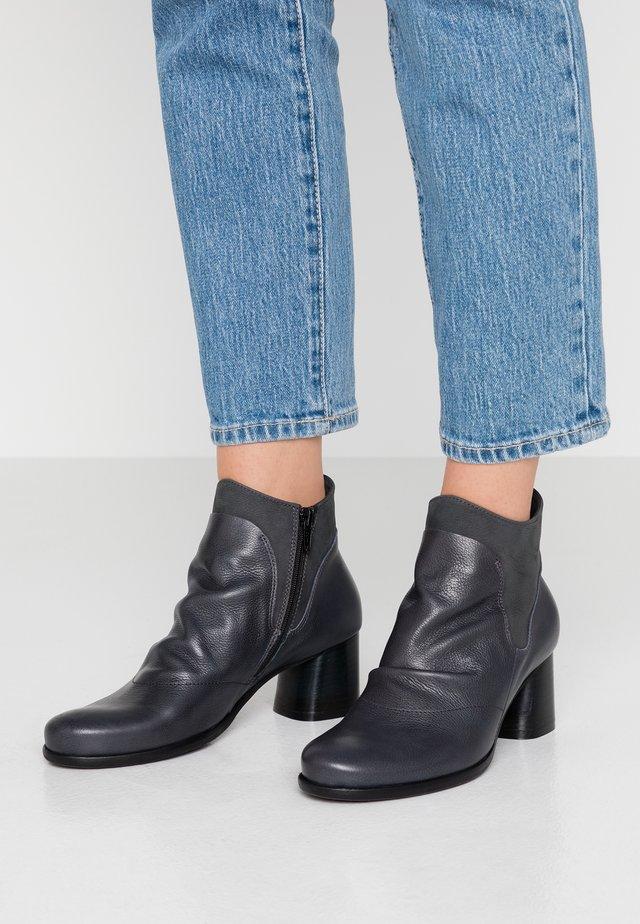 MALABRY - Boots à talons - bima tinta