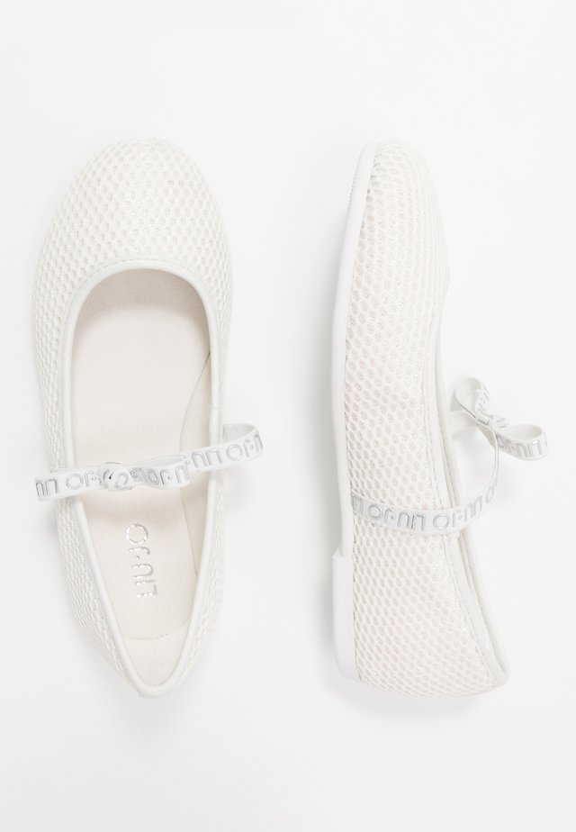 AUDRINE - Ankle strap ballet pumps - milk