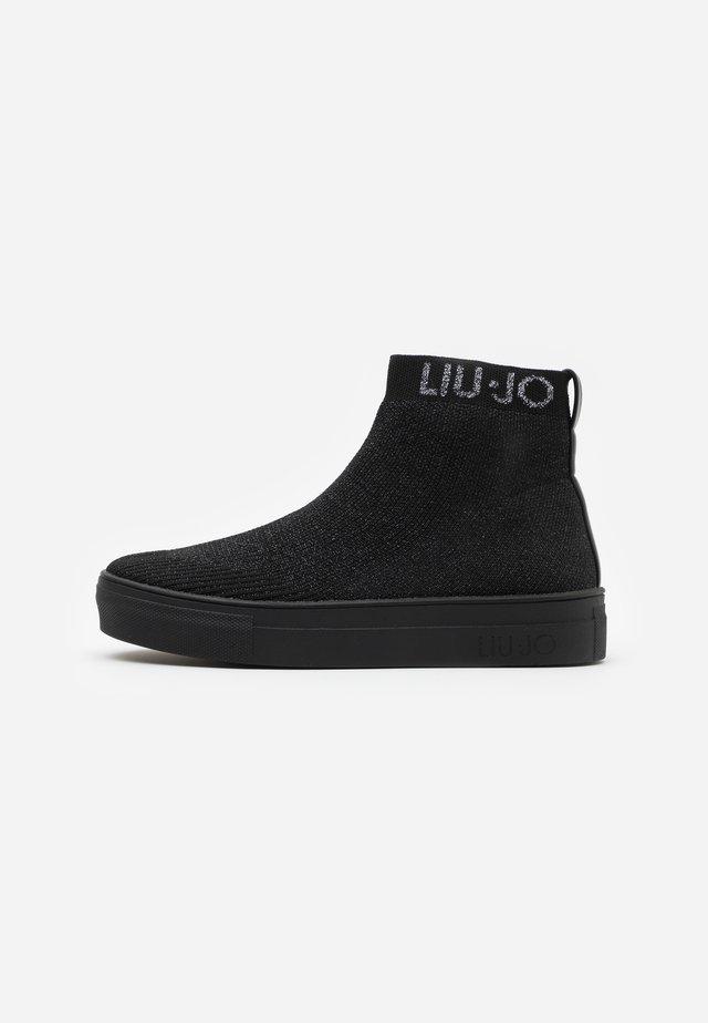 ALICIA  - Höga sneakers - black