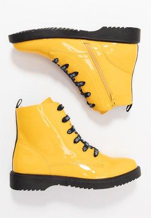 PAT BIKERS - Snørestøvletter - yellow