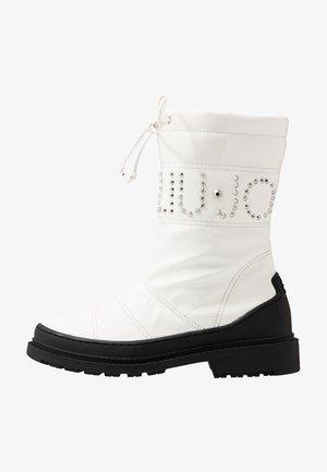 ALISON 8 BOOT - Snowboots  - white