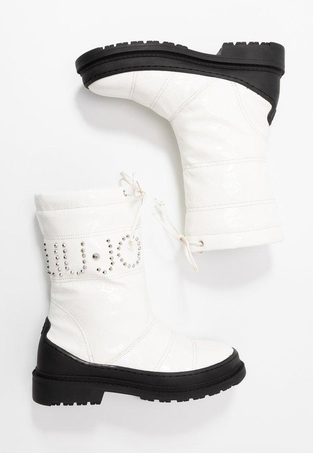 ALISON 8 BOOT - Vinterstøvler - white
