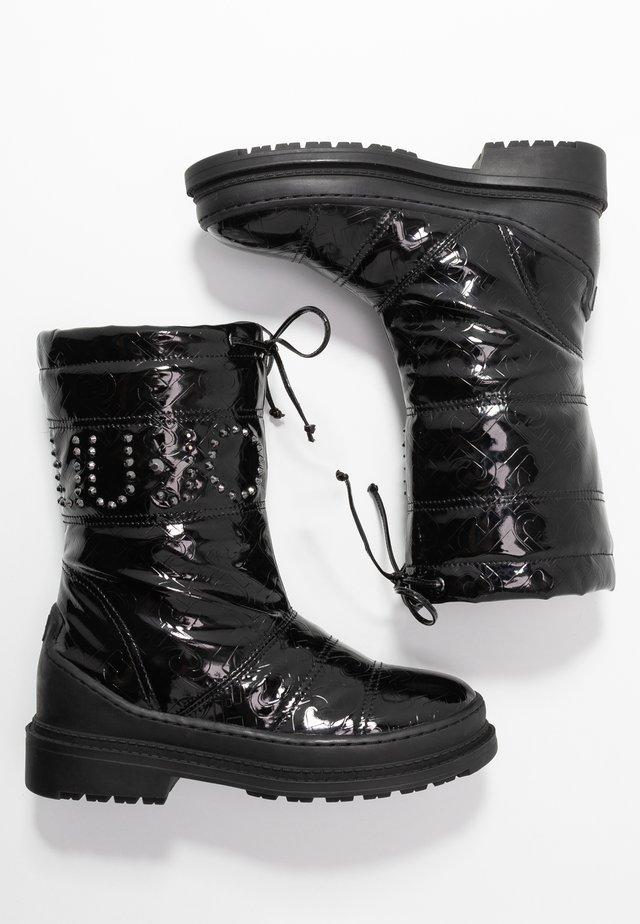 ALISON - Vysoká obuv - black