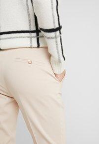 LIU JO - PANT NEW CIGARETTE - Pantalon classique - cameo - 4