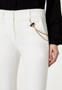LIU JO - Trousers - white - 3