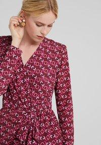 LIU JO - ABITO  - Jersey dress - ruby wine monogram - 5