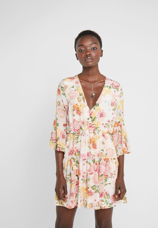 ABITO - Vestido informal - cloudrose sanderson