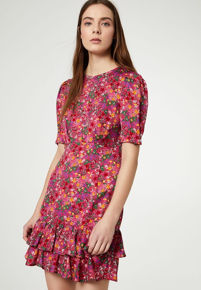 Day dress - fuchsia