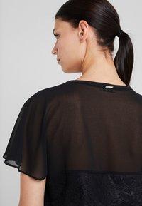 LIU JO - Print T-shirt - nero - 5