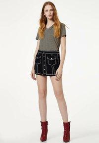Liu Jo Jeans - WITH RUCHING - Print T-shirt - black - 1