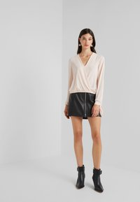 LIU JO - BLUSA INCROCIATA - Blouse - pearl rose - 1