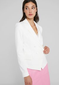 LIU JO - GIACCA - Blazer - light white milk - 4