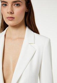 LIU JO - Short coat - white - 3