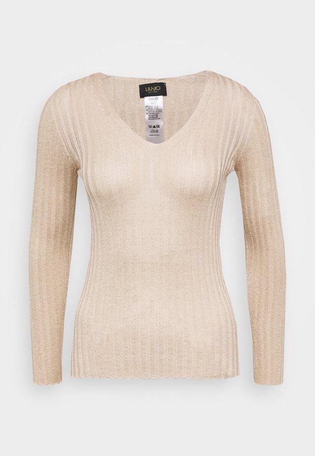 MAGLIA CHIUSA - Sweter - almond lux