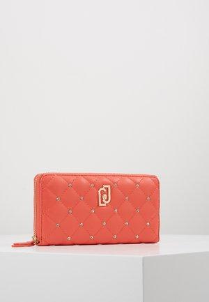 ZIP AROUND NUVOLA - Wallet - red