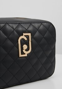 LIU JO - CAMERA CASE - Sac bandoulière - black - 6