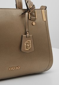 LIU JO - SATCHEL - Sac à main - gold - 6