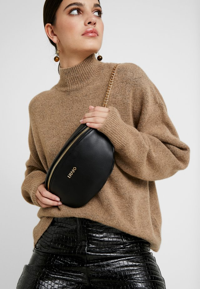 BUMBAG - Bæltetasker - black