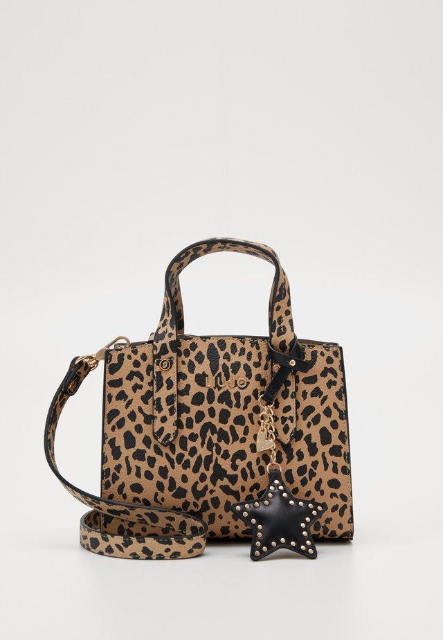 SATCHEL NATURALE - Håndtasker - beige