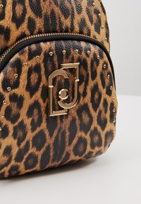 LIU JO - BACKPACK LEOPARDO - Sac à dos - marrone - 7