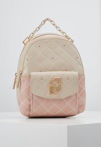 LIU JO - BACKPACK CAMEO - Mochila - beige/light pink - 0