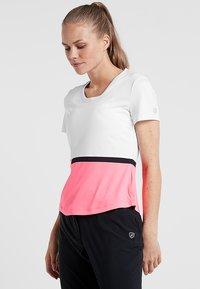 Limited Sports - SOHO - Print T-shirt - popstar/white/black - 0