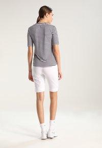 Limited Sports - BERMUDA BENTE - Sports shorts - white - 2