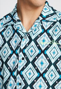 Liquor N Poker - SHIRT IN ATZEC - Hemd - teale aztec - 5