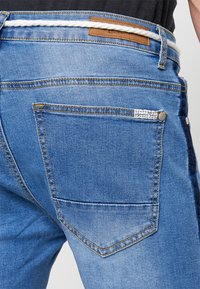 Liquor N Poker - PINCH FADE AND ROPE WAIST TIE - Jeans Shorts - stone wash - 5