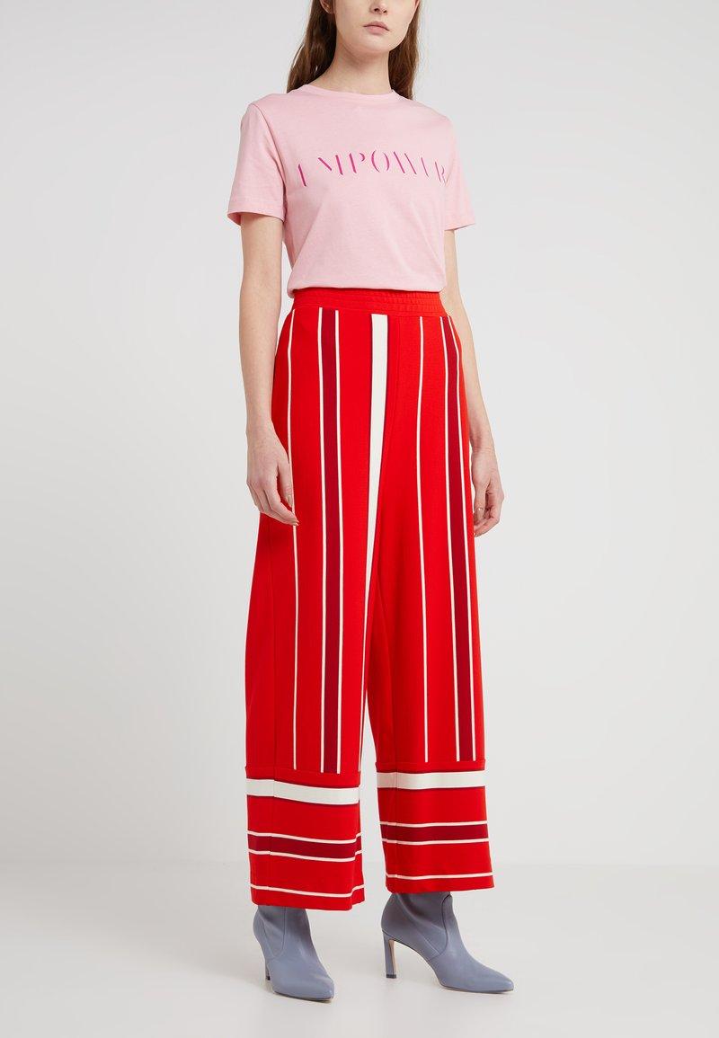 Libertine-Libertine - WAIT - Tracksuit bottoms - fiery red/off white/pink