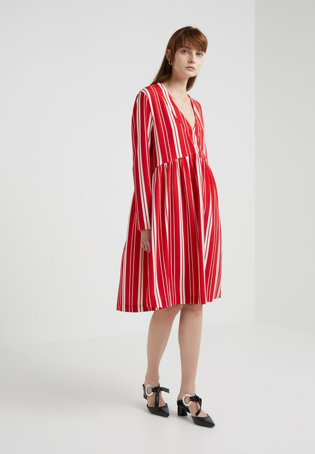 MIRROR - Day dress - red/off white