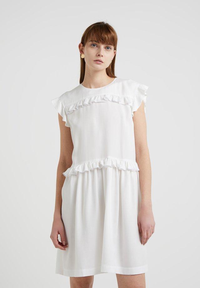 PILOT - Denní šaty - white