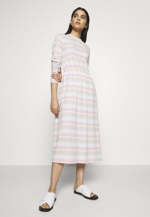 ZINK DRESS - Jerseykjole - light pink