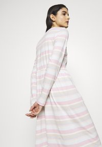Libertine-Libertine - ZINK DRESS - Jerseykjoler - light pink - 3