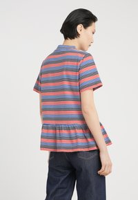Libertine-Libertine - AWARD - T-shirt print - red stripe - 2