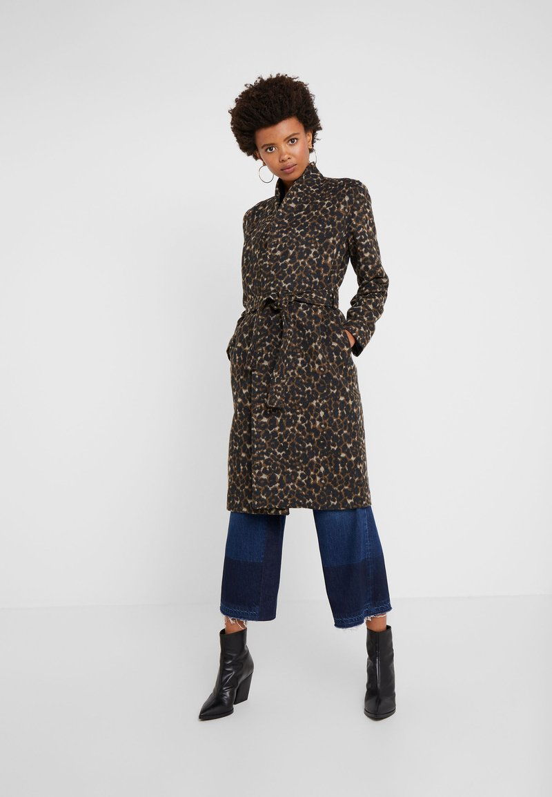 Libertine-Libertine - ELEGANT - Classic coat - camel leo