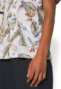 Libertine-Libertine - CAVE - Skjorter - light grey/multicoloured - 3
