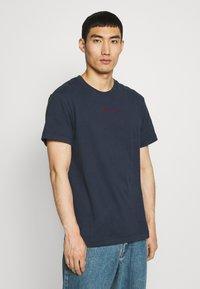 Libertine-Libertine - BEAT LUST LIFE - T-shirts print - navy/red - 0