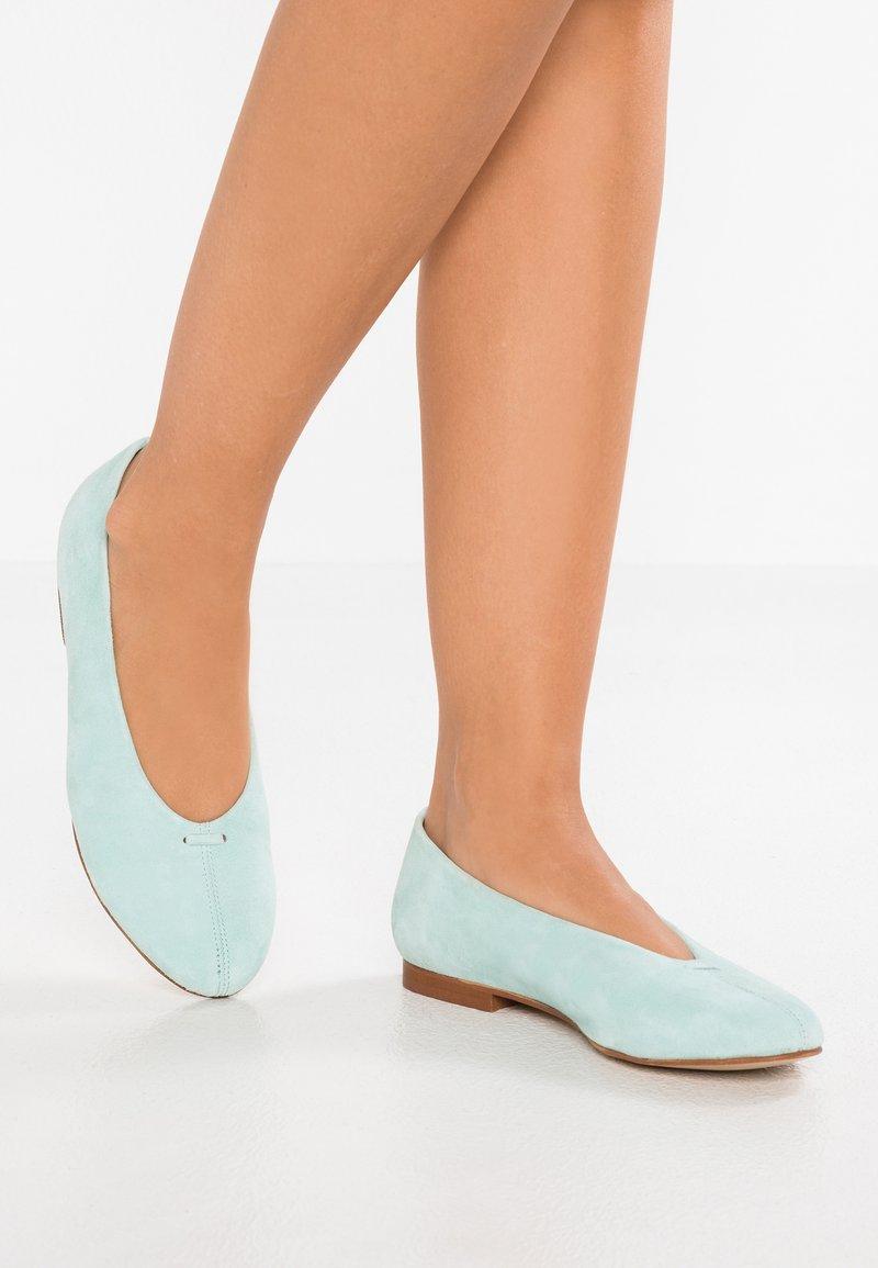 L'INTERVALLE - JUANY - Ballet pumps - mint