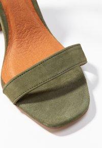 L'INTERVALLE - NELLA - High heeled sandals - khaki - 2