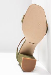 L'INTERVALLE - NELLA - High heeled sandals - khaki - 6
