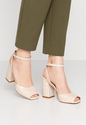 ARENAL - Sandaletter - offwhite