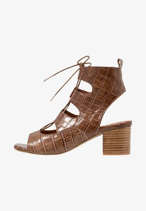 PALMA - Varrelliset sandaalit - light brown